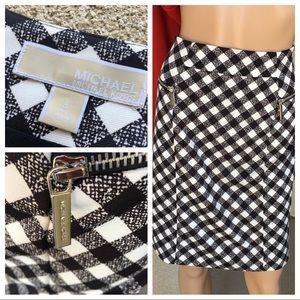 Michael kors checkered black/white skirt size 8